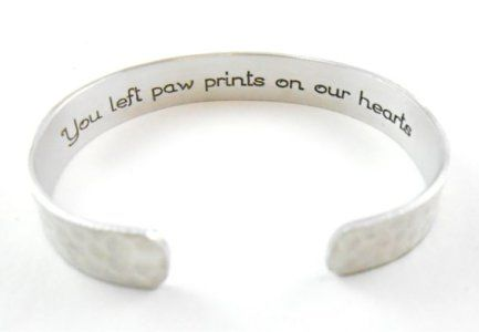chien bracelet commémoratif
