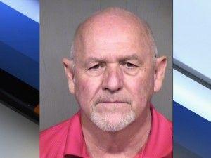 Arizona chien meurt dans une voiture chaude pendant que le propriétaire boit bar des sports