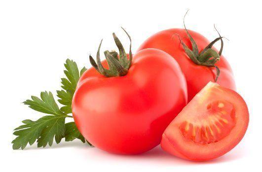 3 tomates sur un fond blanc