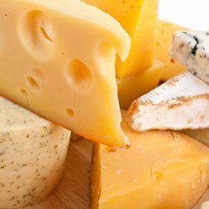 Puis-je donner mon fromage de chien?